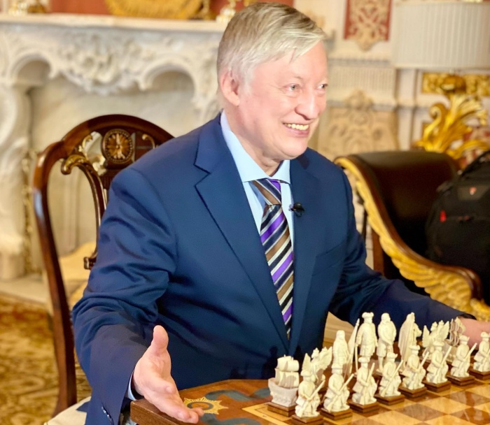 12 chess gems by the 12th World Champion