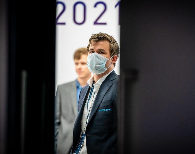 Round 04 tiebreaks: Carlsen advances to 1/8 finals