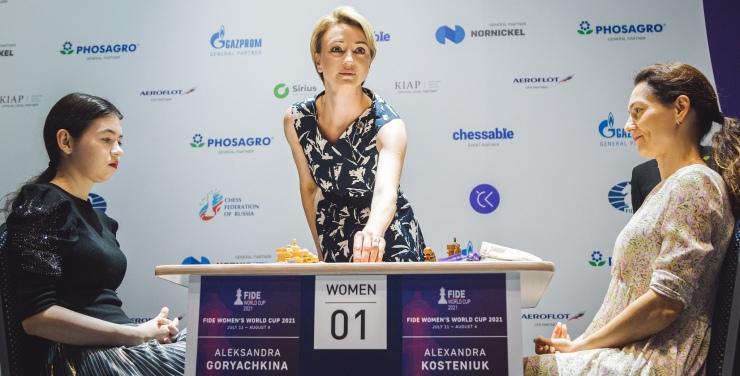 Round 7 Game 01: Kosteniuk pulls ahead in the Women's final
