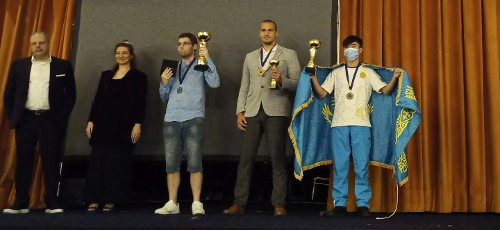 Winners crowned at FIDE World Amateur Chess Championship