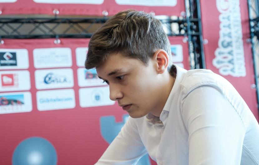 Gibraltar Masters 2020: Esipenko leads halfway through